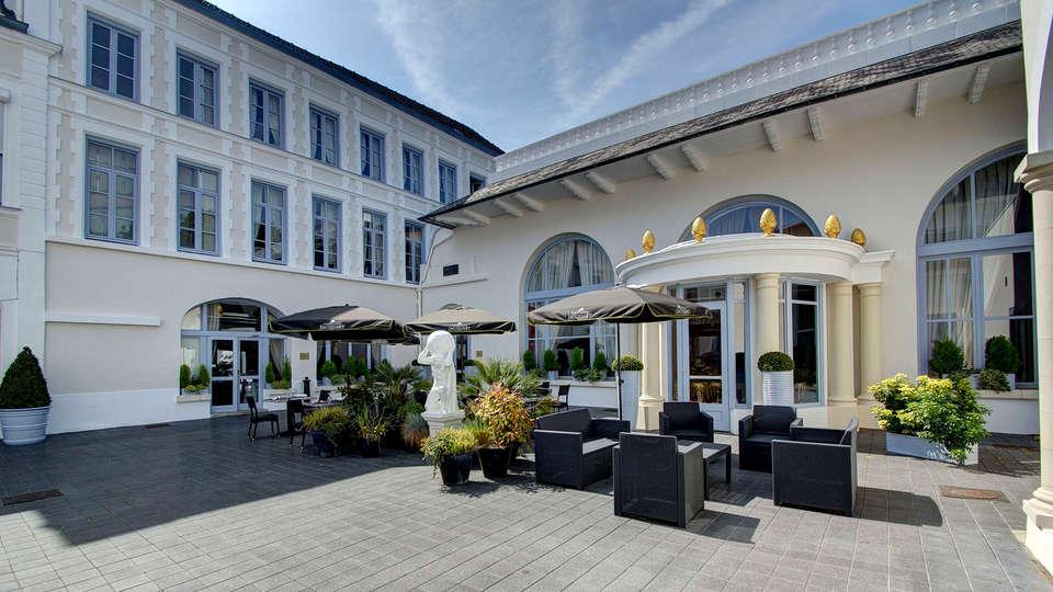 Najeti Hôtel de l'Univers - edit_patio2.jpg