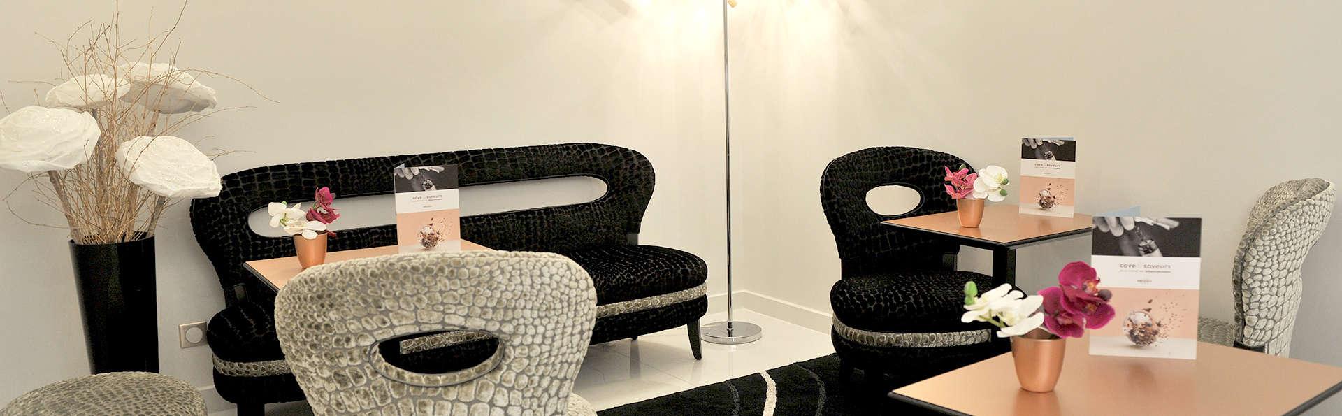 Mercure Paris Place d'Italie - Edit_Lounge.jpg