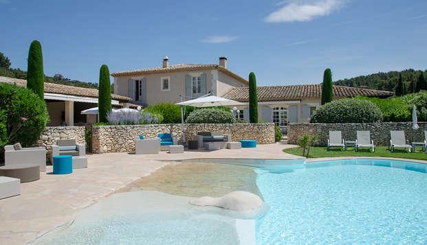 Escapada bienestar al centro de Les Baux-de-Provence
