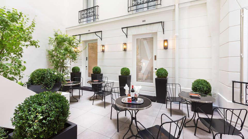 Hôtel Balmoral Champs-Elysées - EDIT_terrace.jpg