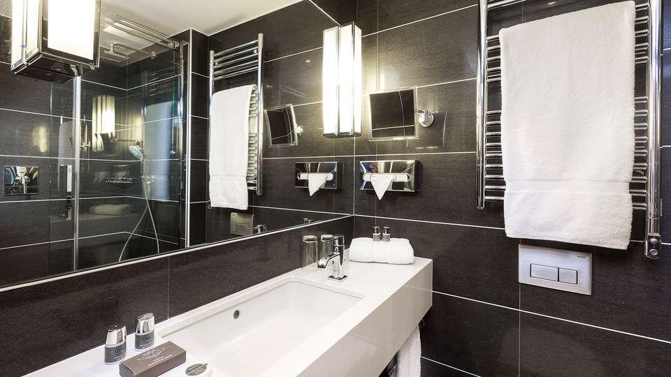 Hôtel Balmoral Champs-Elysées - EDIT_bath4.jpg