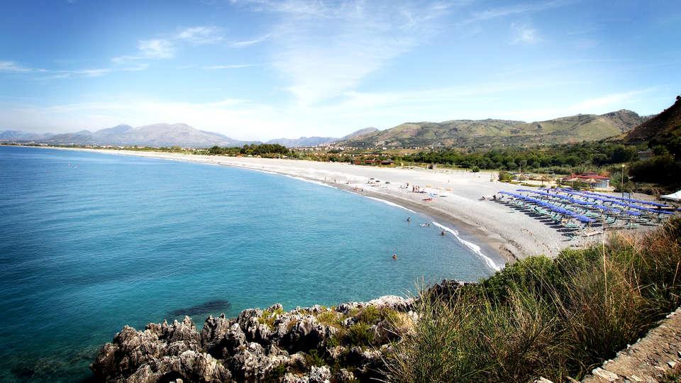 Hotel Guardacosta - Edit_Beach.jpg