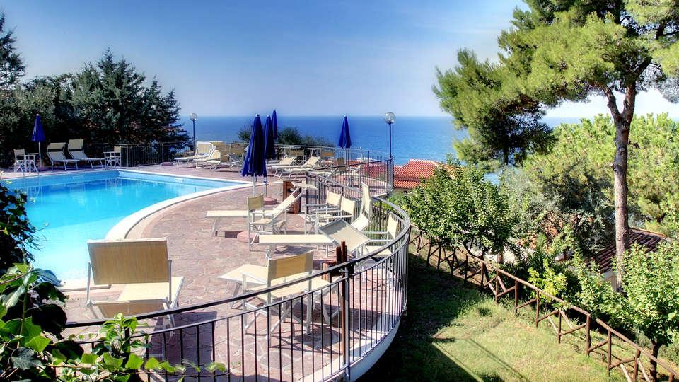 Hotel Guardacosta - Edit_Pool.jpg