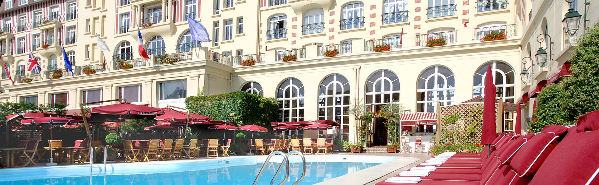 Hôtel Barrière Le Royal Deauville - EDIT_pool.jpg