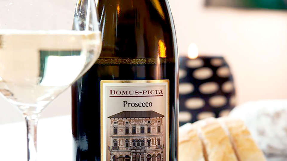 Luxury Art Resort Galleria Umberto - Edit_Prosecco.jpg