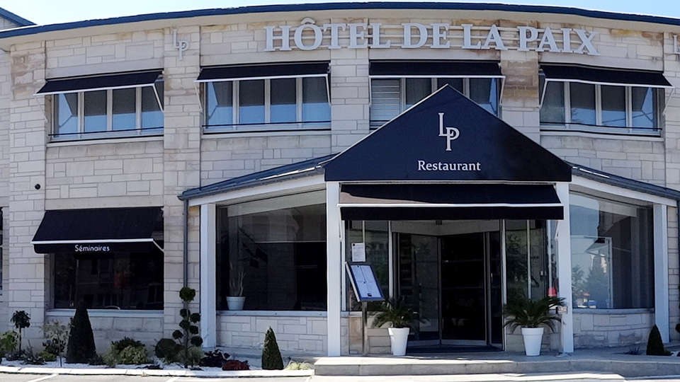 Hôtel de la Paix Bapaume - EDIT_front.jpg