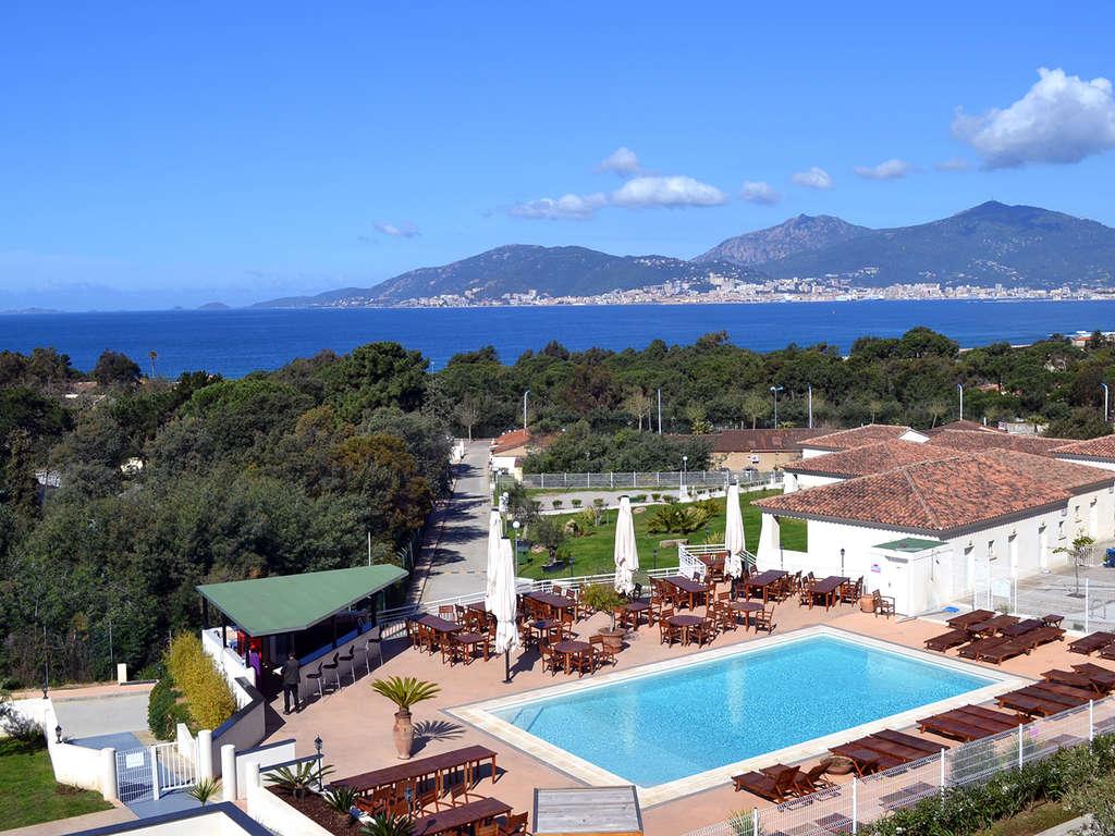 Séjour Corse - Escapade sur les hauteurs de Porticcio en studio avec vue sur mer !
