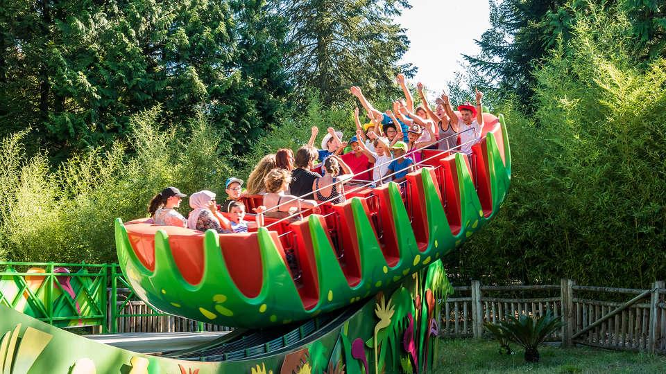 Week end parcs d 39 attractions noisy le grand avec acc s for Piscine noisy le grand