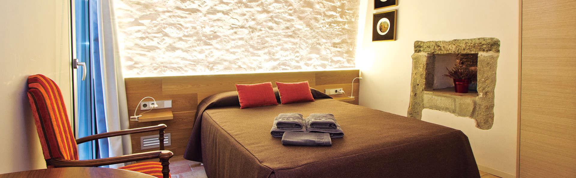 Romantisme dans une maison d'époque à Salt dans la province de Gérone