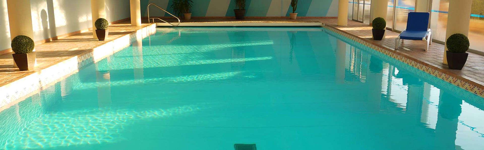 Hôtel Europa - Quiberon - EDIT_Pool.jpg