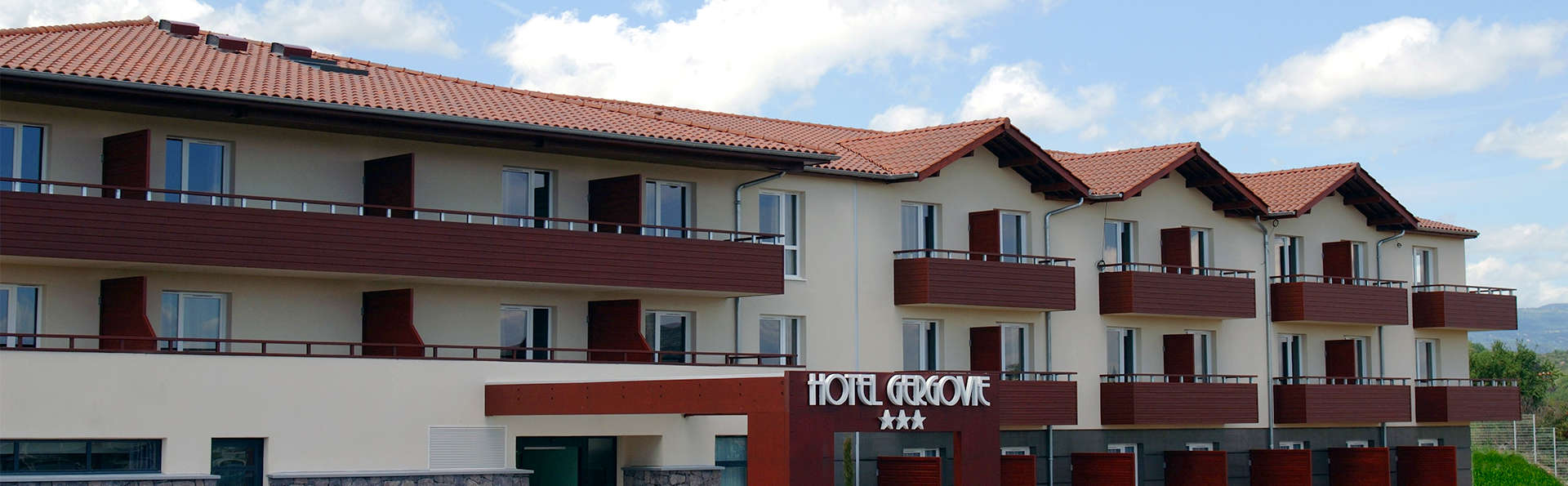Best Western PLUS Hôtel Gergovie - EDIT_Exterior.jpg