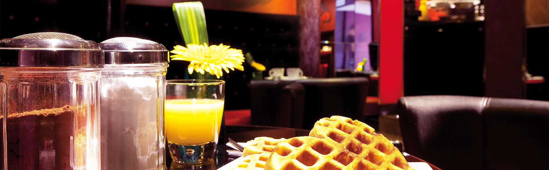 Hôtel Montmartre mon Amour - EDIT_breakfast1.jpg