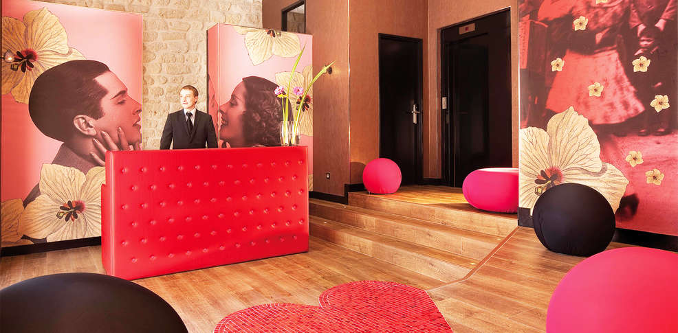 H tel montmartre mon amour 4 paris france for Reservation hotel a paris gratuit