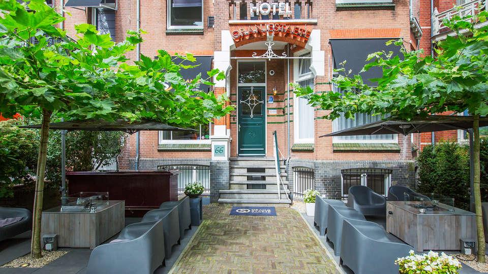 Hotel Oranjestaete  - EDIT_NEW_terracefront.jpg