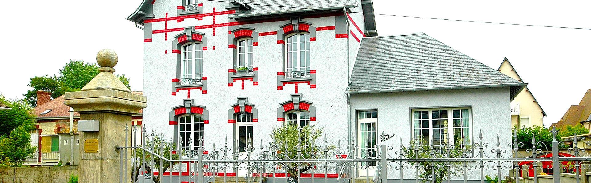Hôtel restaurant La Pêcherie - Edit_Front.jpg