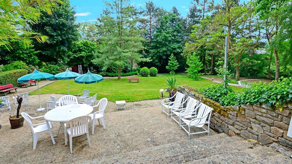 Hôtel Restaurant du Château - edit_terrace_garden2.jpg