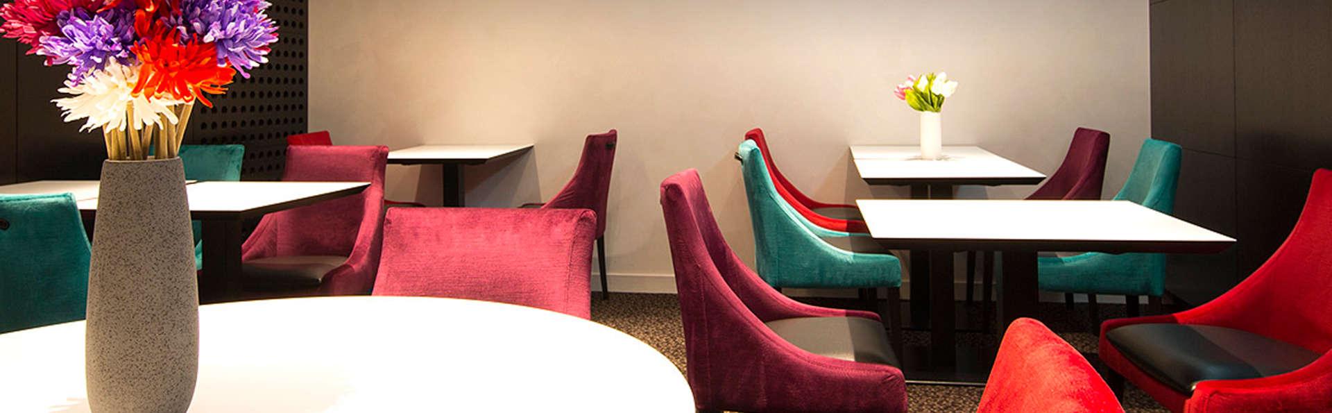 Hôtel des Lices - EDIT_lounge1.jpg