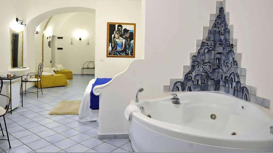 Hotel Pasitea - Edit_Room.jpg