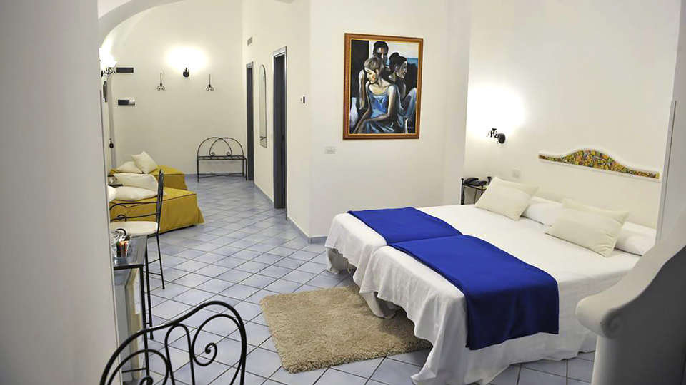Hotel Pasitea - Edit_Room2.jpg