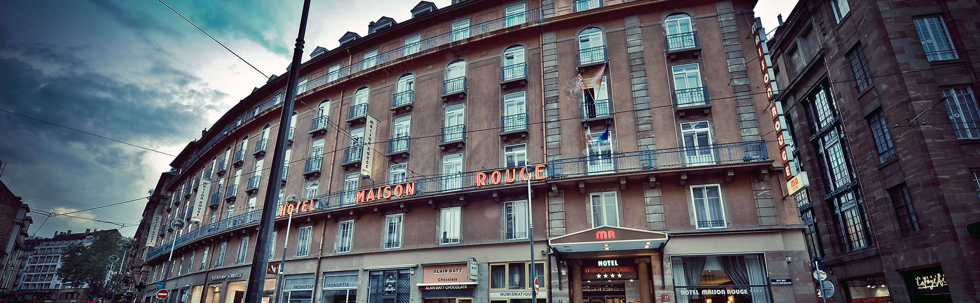 Hôtel Maison Rouge - edit_front.jpg