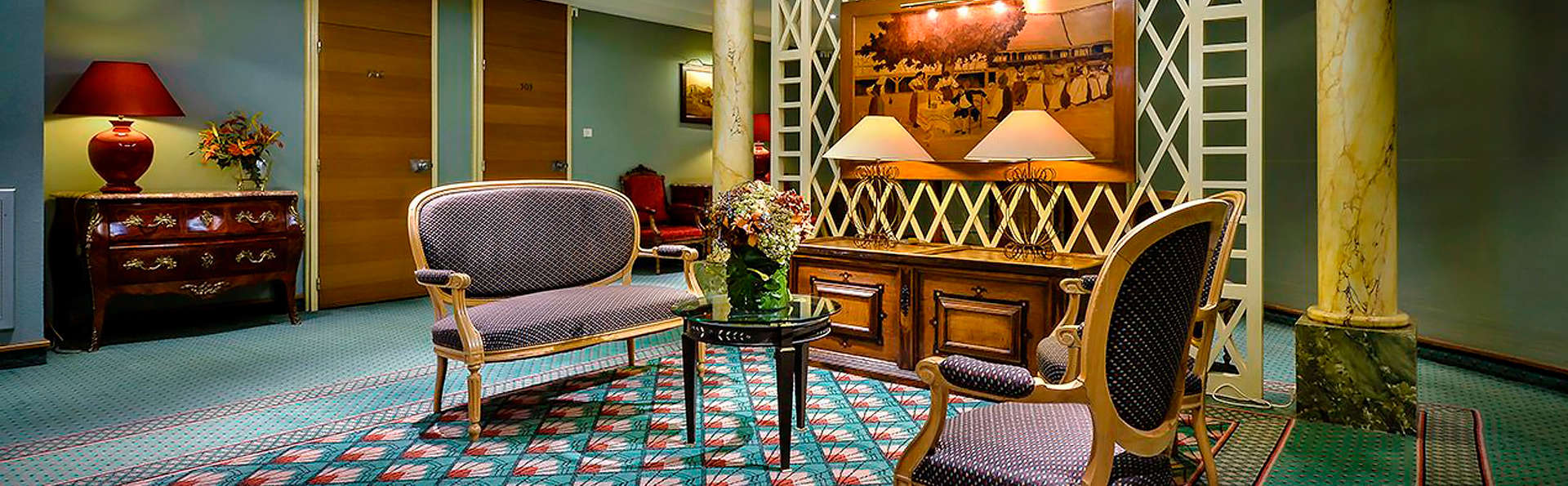 Hôtel Maison Rouge - edit_lobby.jpg