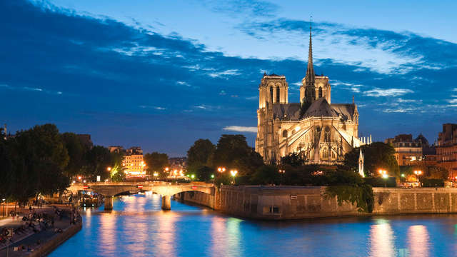 Rendez-vous romantique à Paris