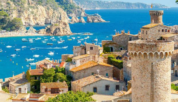 Escapada en apartamento y media pension en Tossa de Mar (hasta 4 personas)