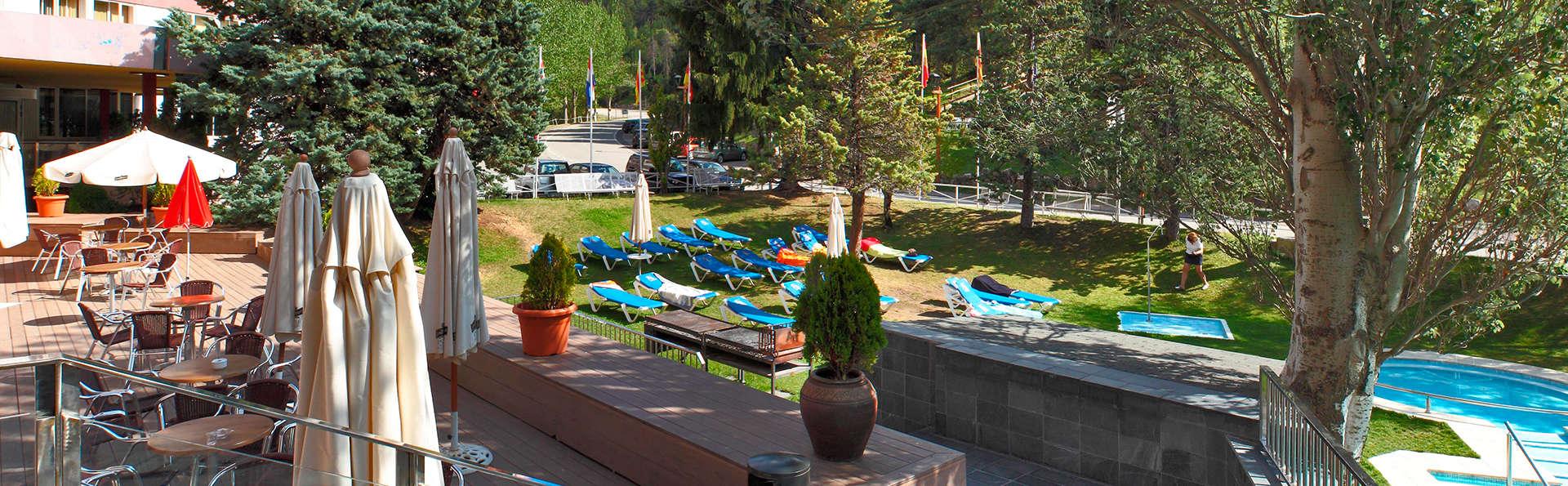 Alp Hotel Masella - EDIT_exterior.jpg