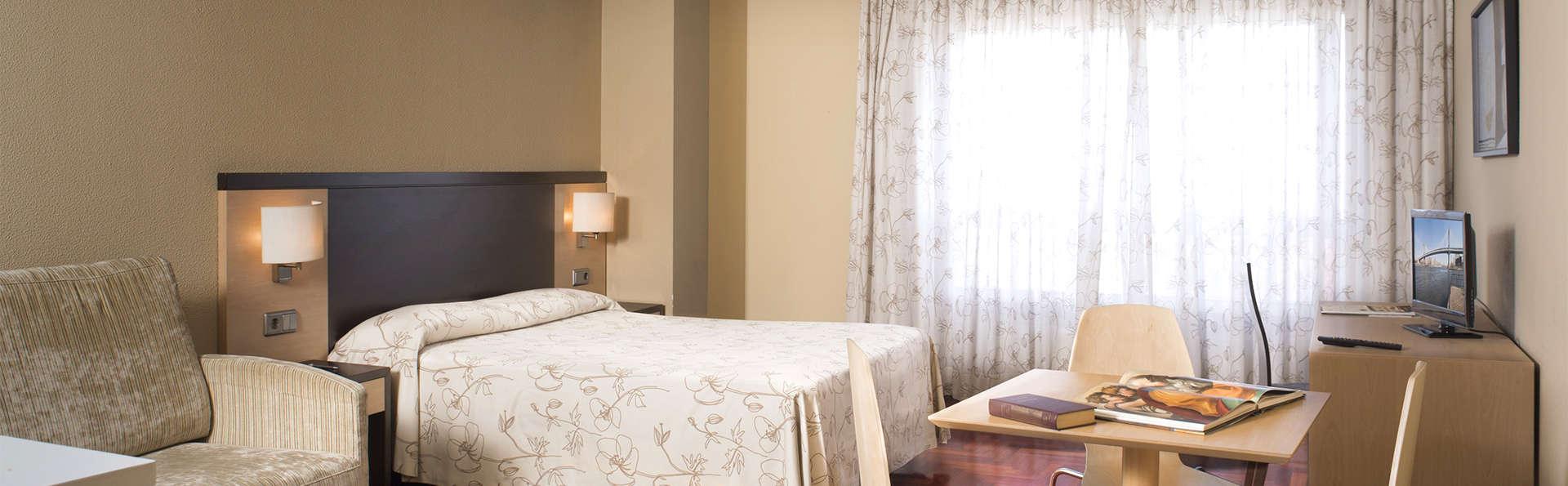 Apartamentos Attica 21 Portazgo - EDIT_Room.jpg
