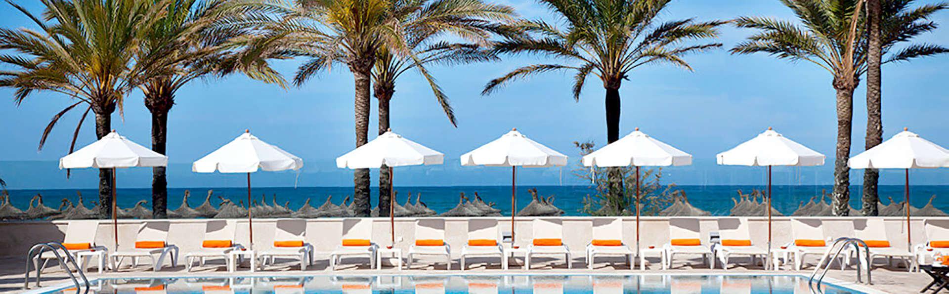 Admirez la vue sur la mer dans un hôtel de Majorque