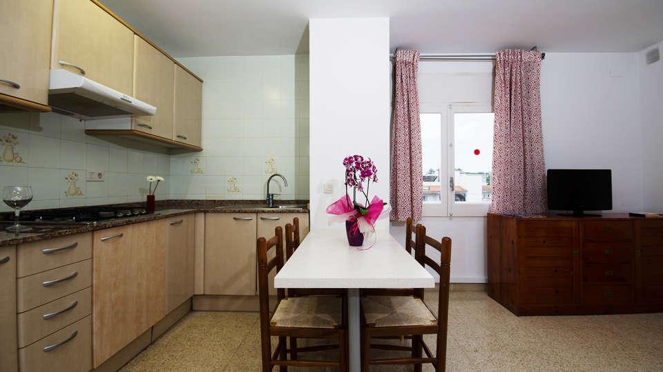 Apartamentos Els Llorers - EDIT_apartment.jpg
