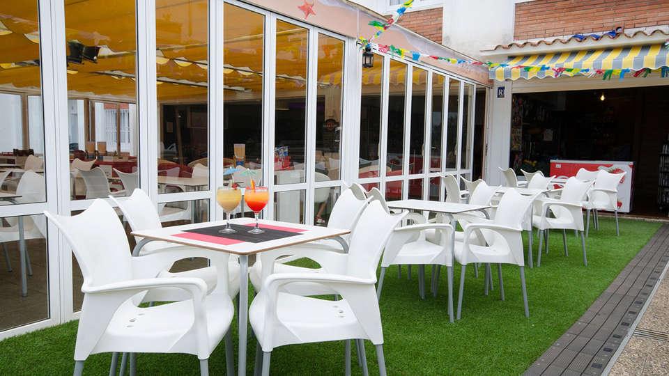 Apartamentos Els Llorers - EDIT_terrace.jpg