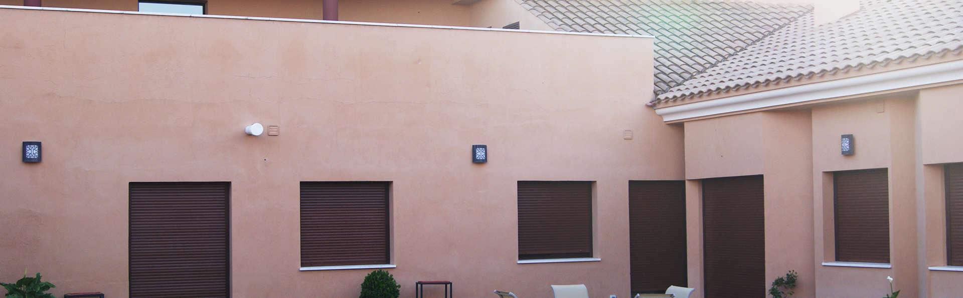 Apartamentos La Castilleja - EDIT_terrace.jpg