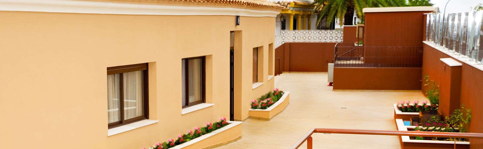 Apartamentos La Castilleja - EDIT_exterior.jpg