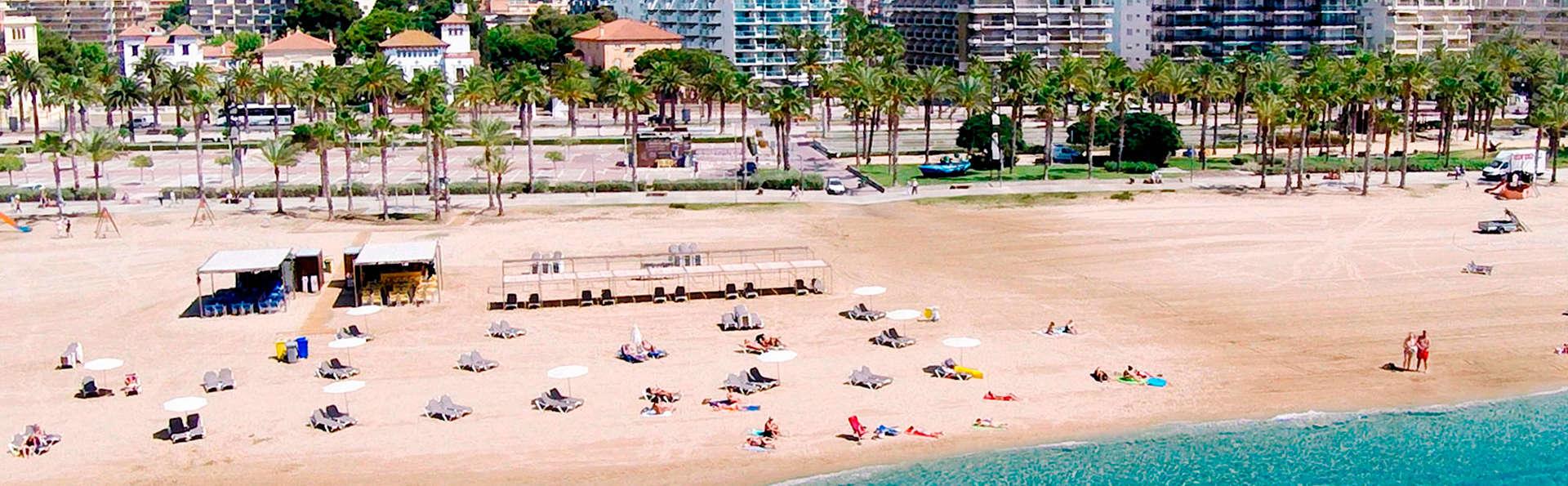 Apartamentos las Acacias - EDIT_beach1.jpg