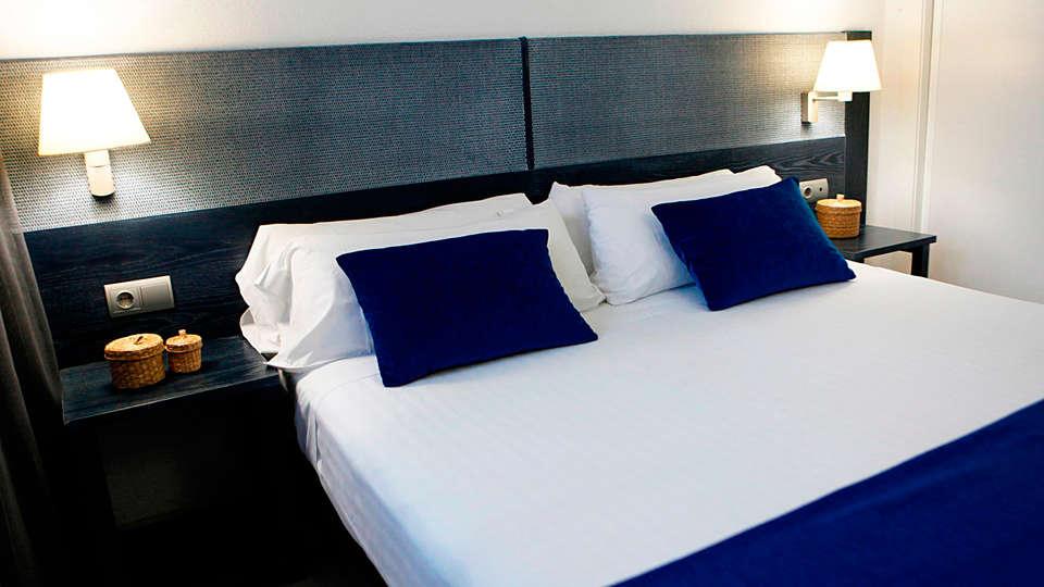 Apartamentos las Acacias - EDIT_room.jpg