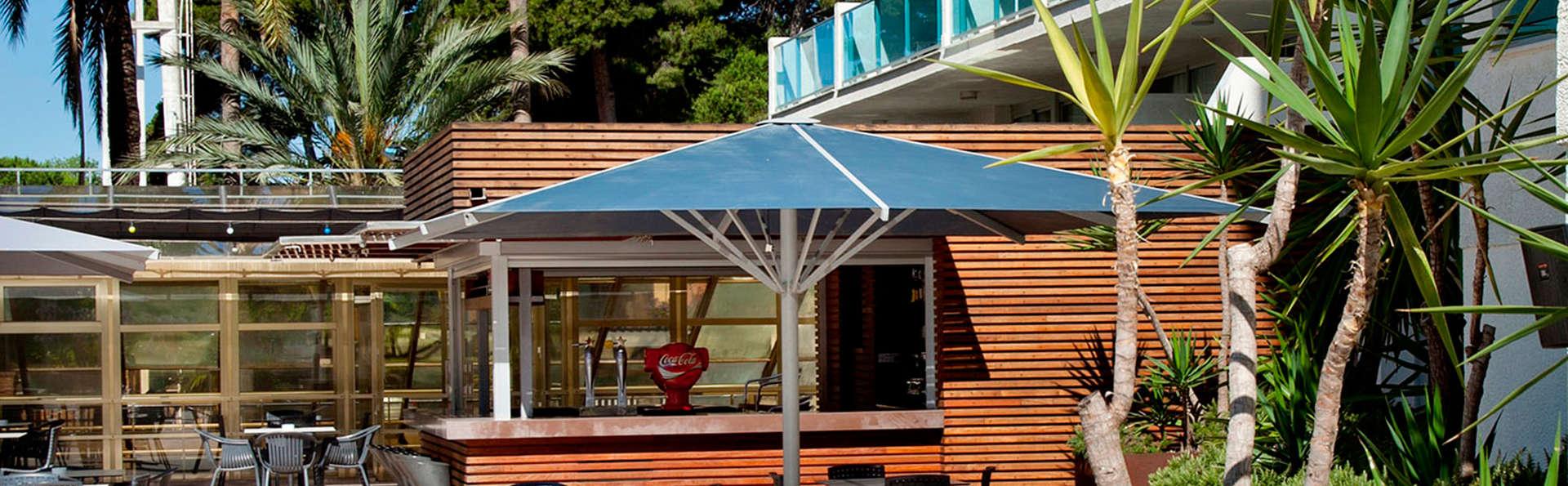 Apartamentos las Acacias - EDIT_terrace.jpg