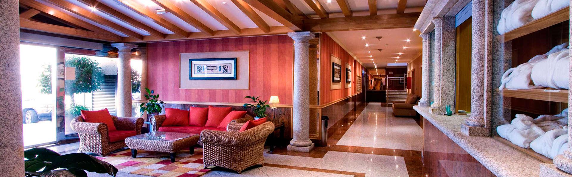 Apartamentos Mediterráneo Real - EDIT_hall.jpg