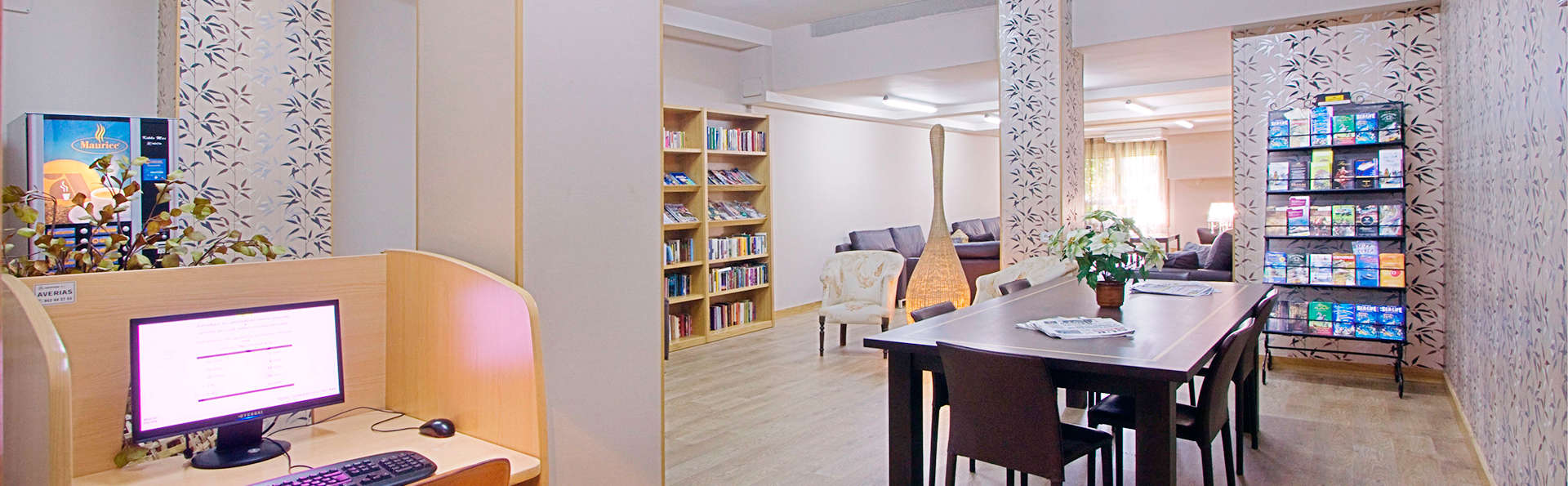 Apartamentos Mediterráneo Real - EDIT_lounge.jpg