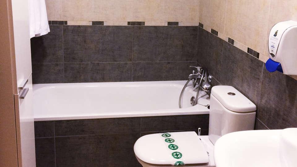 Apartamentos Neptuno - EDIT_bath.jpg