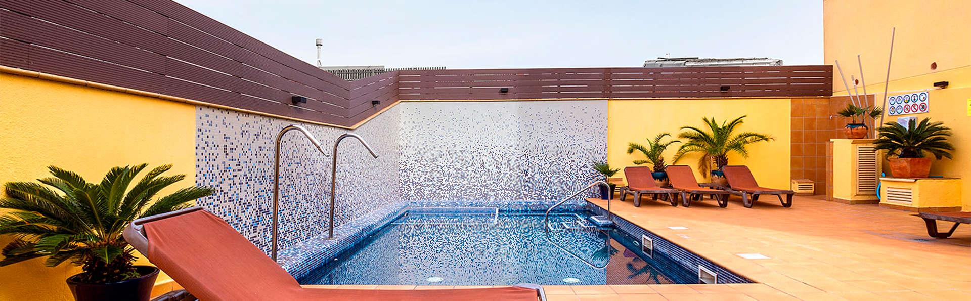 Apartamentos Neptuno - EDIT_pool.jpg