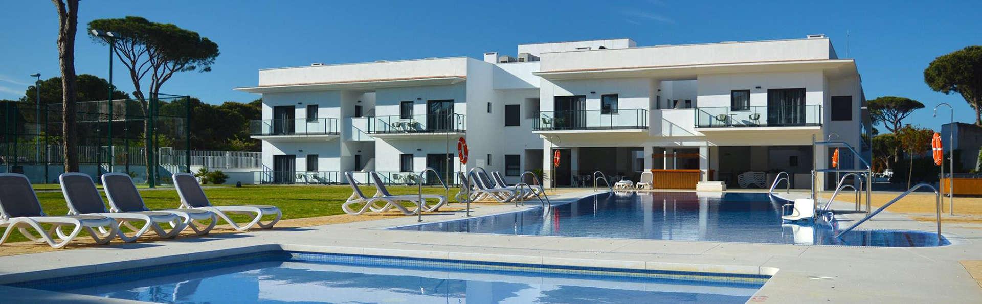 Apartamentos Turísticos Al Sur - EDIT_pool3.jpg