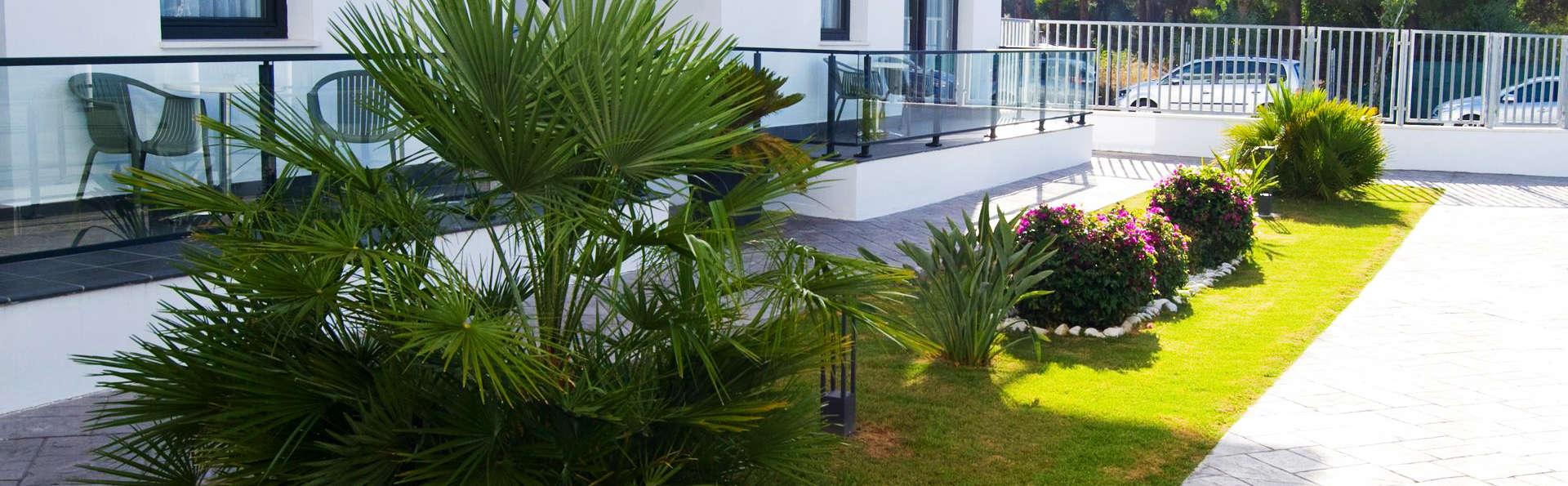 Apartamentos Turísticos Al Sur - EDIT_exterior2.jpg