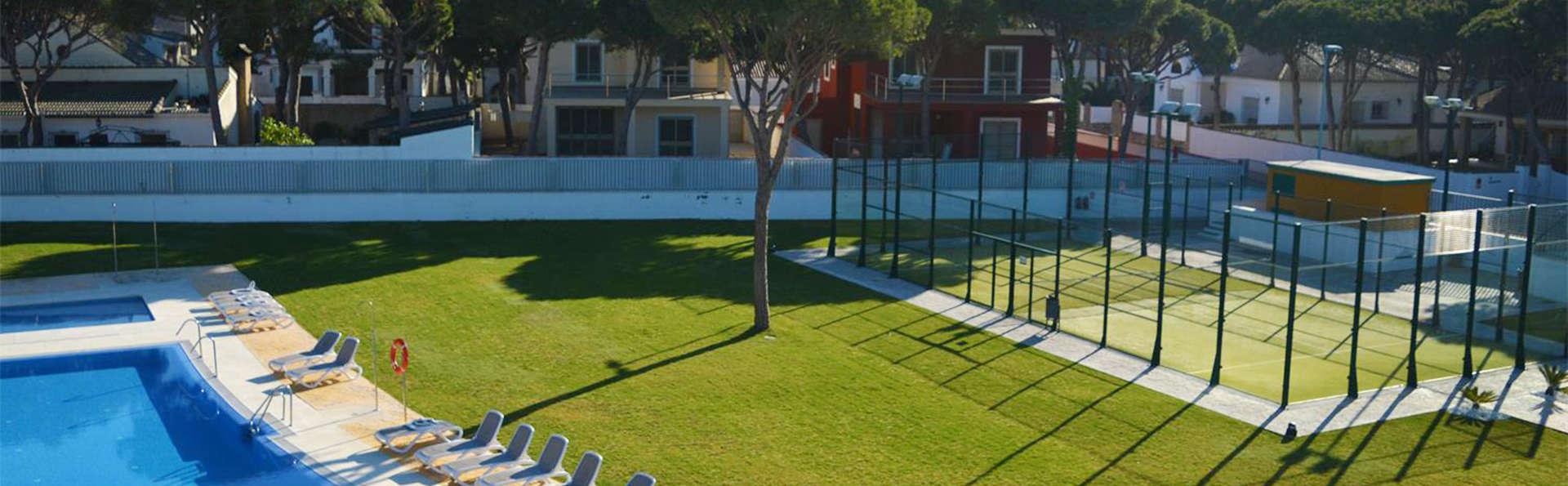 Apartamentos Turísticos Al Sur - EDIT_pool.jpg