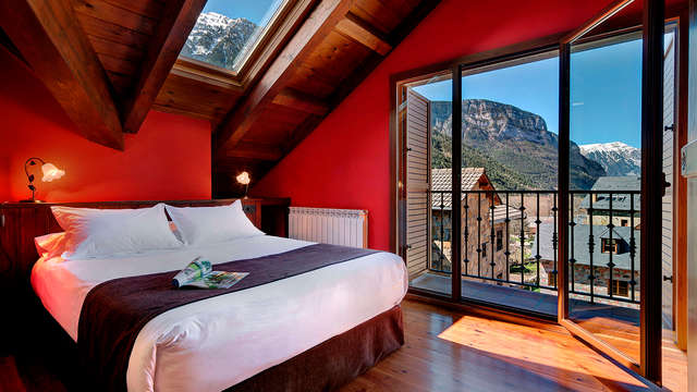 Escapada en apartamento con Jacuzzi en el Parque Nacional de Ordesa