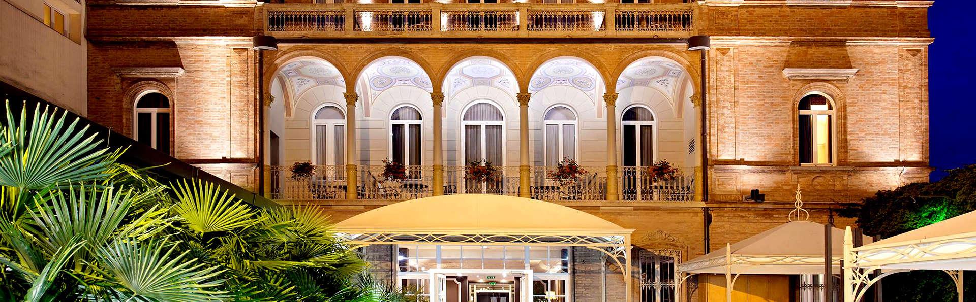 Hotel Villa Adriatica - Edit_Front.jpg