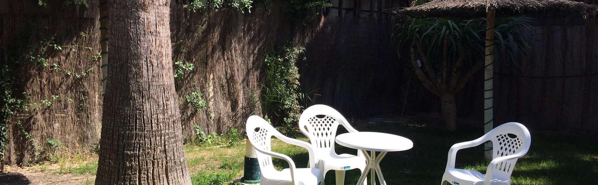 Aparthotel Atlas - EDIT_garden.jpg