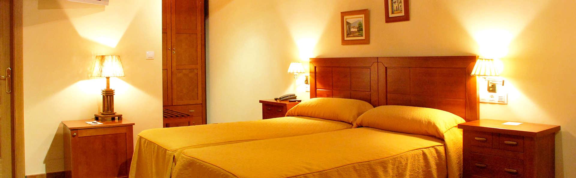 Aldea Couso Rural - Edit_Room2.jpg