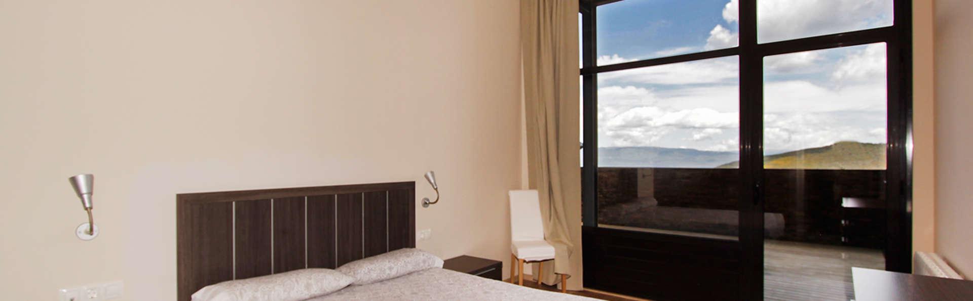 Apartamentos La Masella 1600 - EDIT_room1.jpg