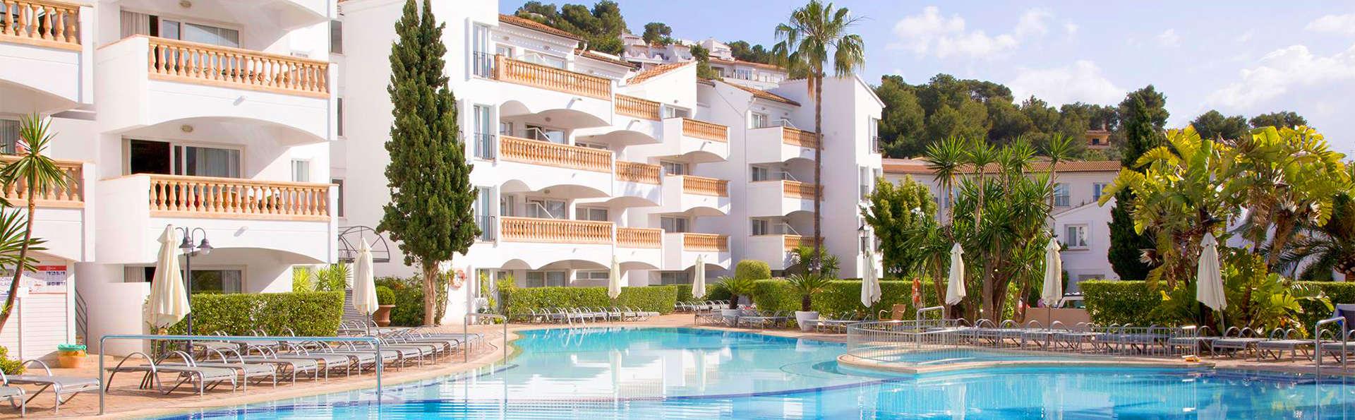 Aparthotel La Pérgola  - EDIT_Pool3.jpg